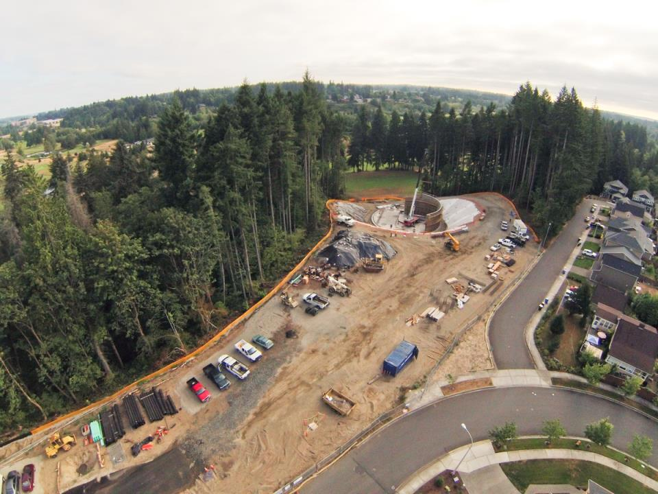 Deschutes Valley Park - Reclaimed Water Tank and parking lot during construction
